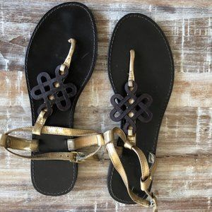 DVF Love knot thong sandal on sale!